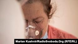 Червона зона. Кількість госпіталізацій на COVID-19 росте – фоторепортаж із лікарні на Житомирщині