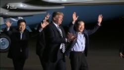 Дональд Трамп зустрів амністованих у КНДР американців (відео)