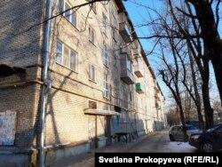 Дом на улице Стахановской в Пскове, где из унитаза вылезла крыса