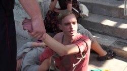 Волоком на молитву: акция на Красной площади