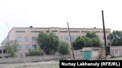 Фасадная часть сельской больницы