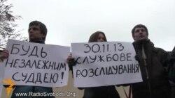 Суд відхилив 500 позовів проти міністра Захарченка