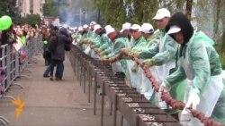 Казанда иң озын хәләл шашлык пешерелде