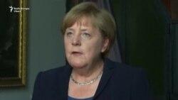 Angela Merkel l-a omagiat pe Helmuth Kohl