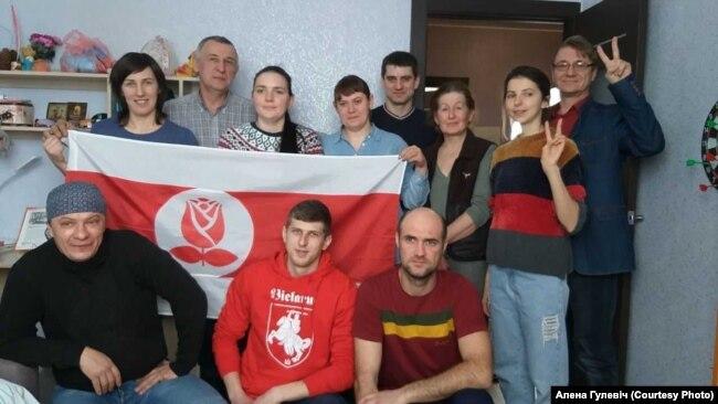 Зь сябрамі па БСДП «Грамада» з Пружанаў