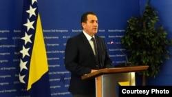 Selmo Cikotić, ministar sigurnosti BiH, predavač je na međunarodnoj grupi predmeta na Američkm univerzitetu.
