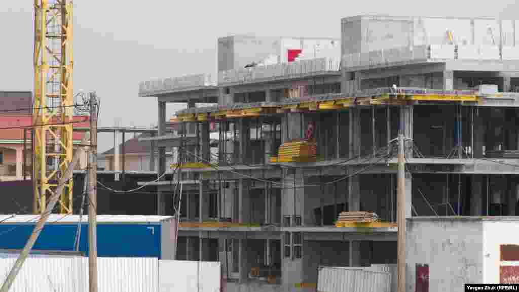 Строительство идет полным ходом