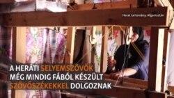 Így készül az afgán selyem