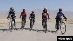 Афганские велосипедистки. Иллюстративное фото