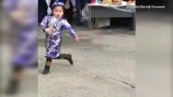 Нурпери: Научилась танцевать по видео из Интернета