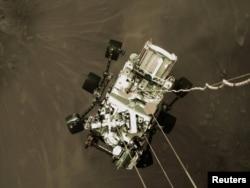 عکس دیگری از لحظه فرود مریخپیمای استقامت، ۱۸ فوریه ۲۰۲۱
