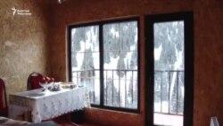 Нарын: Тоо боорундагы конок үй