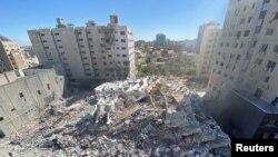 Fâșia Gaza: resturile blocului turn distrus de aviația israeliană, care găzduia mai multe biroul de presă.