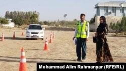یک آموزشگاه رانندگی موتر برای بانوان درشهرشبرغان