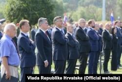 """Predsjednik i premijer Hrvatske, Zoran Milanović i Andrej Plenković, na proslavi 26. obljetnice """"Oluje"""" u Kninu 5. kolovoza 2021."""