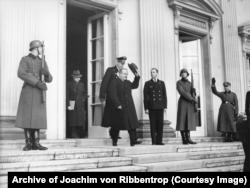 Отъезд Вячеслава Молотова из дворца Бельвю, гостевого дома правительства Германии. 14 ноября 1940 года