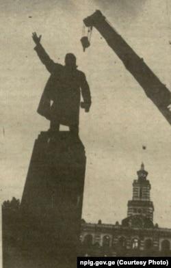 ლენინის ძეგლის დემონტაჟი თბილისში, 1990 წლის 28 აგვისტო