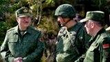 Александр Лукашенко посещает военные учения под Гродно 22 августа 2020 года