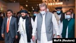 آرشیف، سفر هیئت گروه طالبان به پاکستان