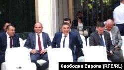 Правосъдният министър Данаил Кирилов с депутата и евродепутата от ДПС Хамид Хамид и Илхан Кючюк