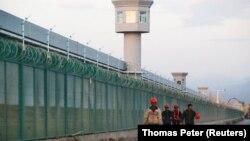 یک مرکز «بازپروری» مسلمانان اویغور در ایالت سینکیانگ چین