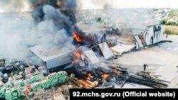 Пожар в складском здании на Камышовом шоссе в Севастополе, 6 сентября 2021 года