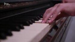 Одинадцятирічна піаністка з Криму випустила перший музичний альбом (відео)