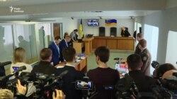 Януковича знову допитуватимуть через відеозв'язок. Прокуратура проти (відео)