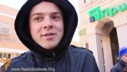 У Криму частково відновилася робота «ПриватБанку»