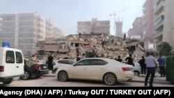 Один зі зруйнованих будинків в Ізмірі, 30 жовтня 2020 року