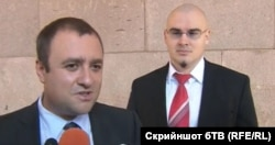 Иван Иванов и адв. Петър Илиев пред Конституционния съд, 10 октомври 2013 г.