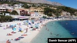 Za sada nema najava da će pojedine države Europske unije mijenjati savjete svojim državljanima oko ljetovanja u Hrvatskoj, kao što je to bilo nakon sredine kolovoza prošle godine (Split, avgust 2020.)