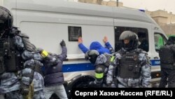Hundreds of people have been detained across Russia during anti-government protests on January 31.