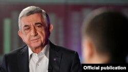 Бывший президент Армении Серж Саргсян дает интервью телеканалу «Армньюз»