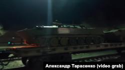 Эшелон десантной техники из Пскова на севере Крыма на станции Нижнегорская