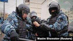 بازداشتها در هفت شهر روسیه صورت گرفته است.