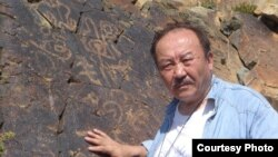 Казахский писатель Мухтар Магауин.