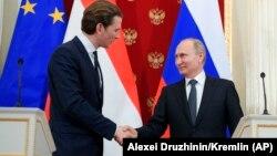 Канцлер Австрии Себастьян Курц встречается с президентом России Владимиром Путиным в Москве