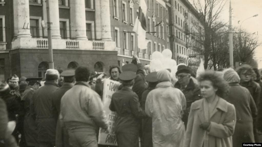 Празднование Дня Независимости в 1989 году.  Фото Алеся Пушкина