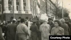 Адзначэньне Дня Незалежнасьці ў 1989 годзе. Фота Алеся Пушкіна
