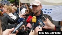 Policija je pokrenula istragu povodom oštećivanja vozila Saše Lekovića
