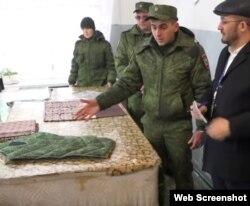 В «Селезневке» женщины шьют военную форму, подушки и одеяла