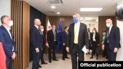 Посол Евросоюза в Грузии Карл Харцель и лидеры грузинской оппозиции