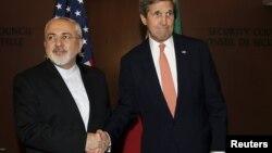 Dövlət katibi John Kerry (sağda) İranın xarici işlər naziri Mohammad Javad Zarif-lə BMT-də görüşüb