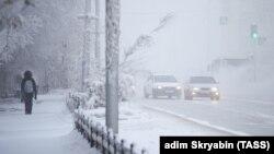 На одной из улиц Якутска. Иллюстративное фото.