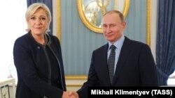 Marine Le Pen we rus prezidenti Wladimir Putin. Moskwa. Mart, 2017 ý.