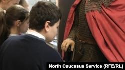 Слабовидящие дети в музее МВД