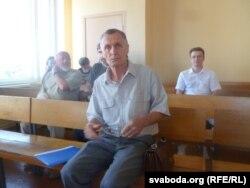Мікола Чарнавус у залі суду