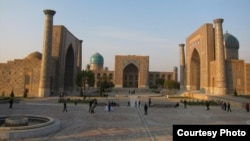 Площадь «Регистан» в центре Самарканда.