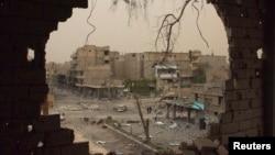 تصویری از ویرانههای شهر دیرالزور در مرکز استانی با همین نام در شرق سوریه